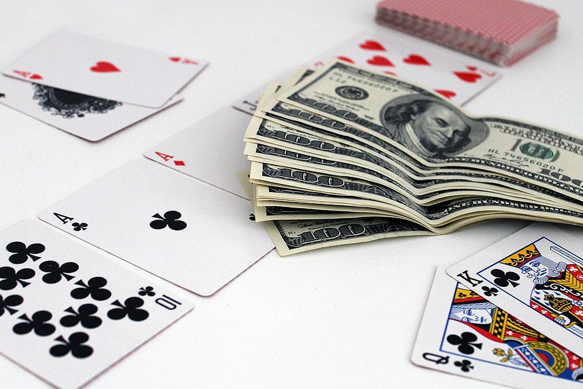 Gambling While Managing Your Money