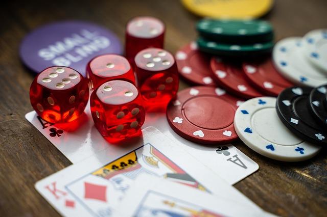 Online Poker Aficionados and Three Pre-Flop Options